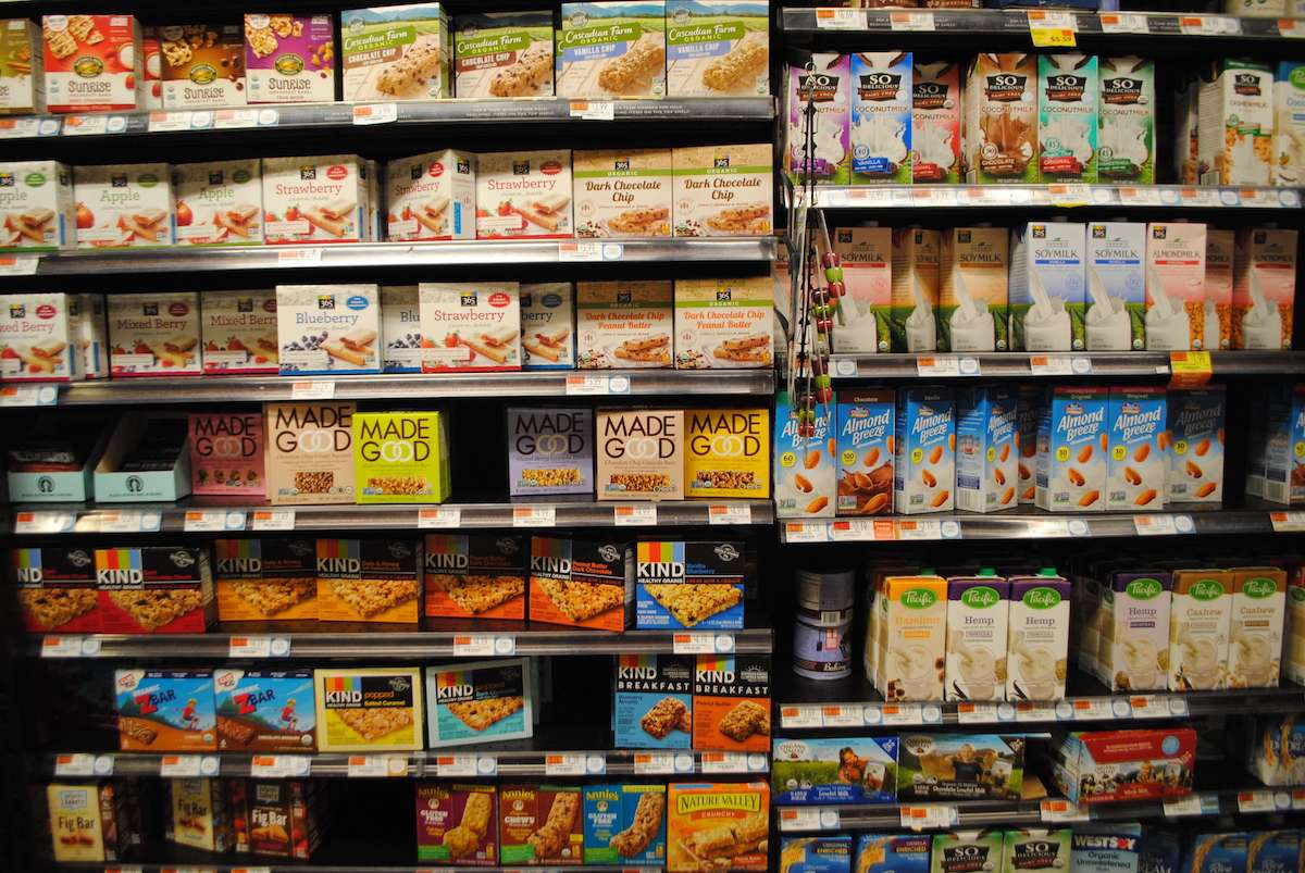 Shelves of clean label products in a grocery store