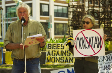 two people rallying against monsanto