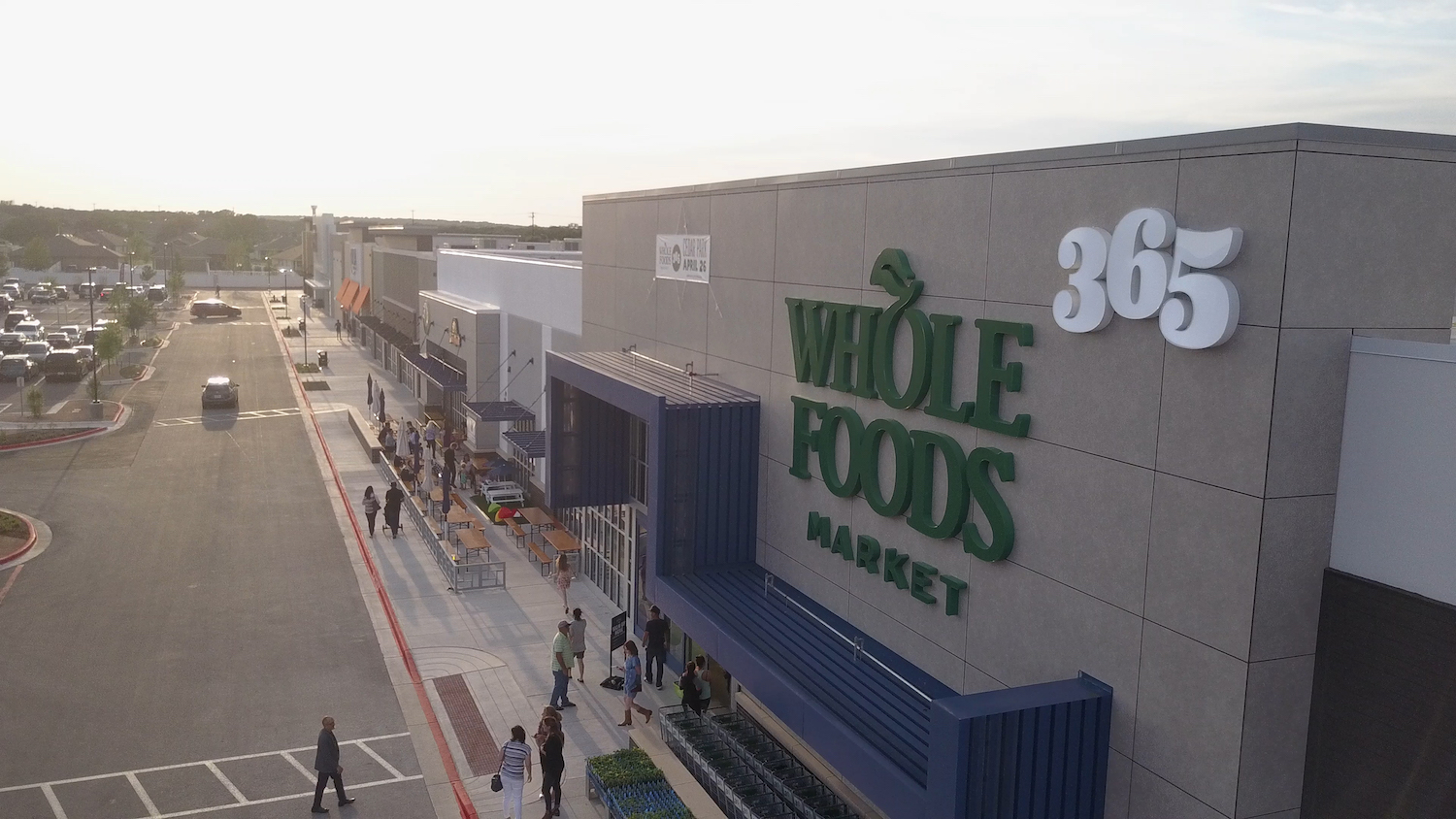 newfoodeconomy.org - Joe Fassler - With 365 over, Whole Foods cements its future as Amazon's house brand