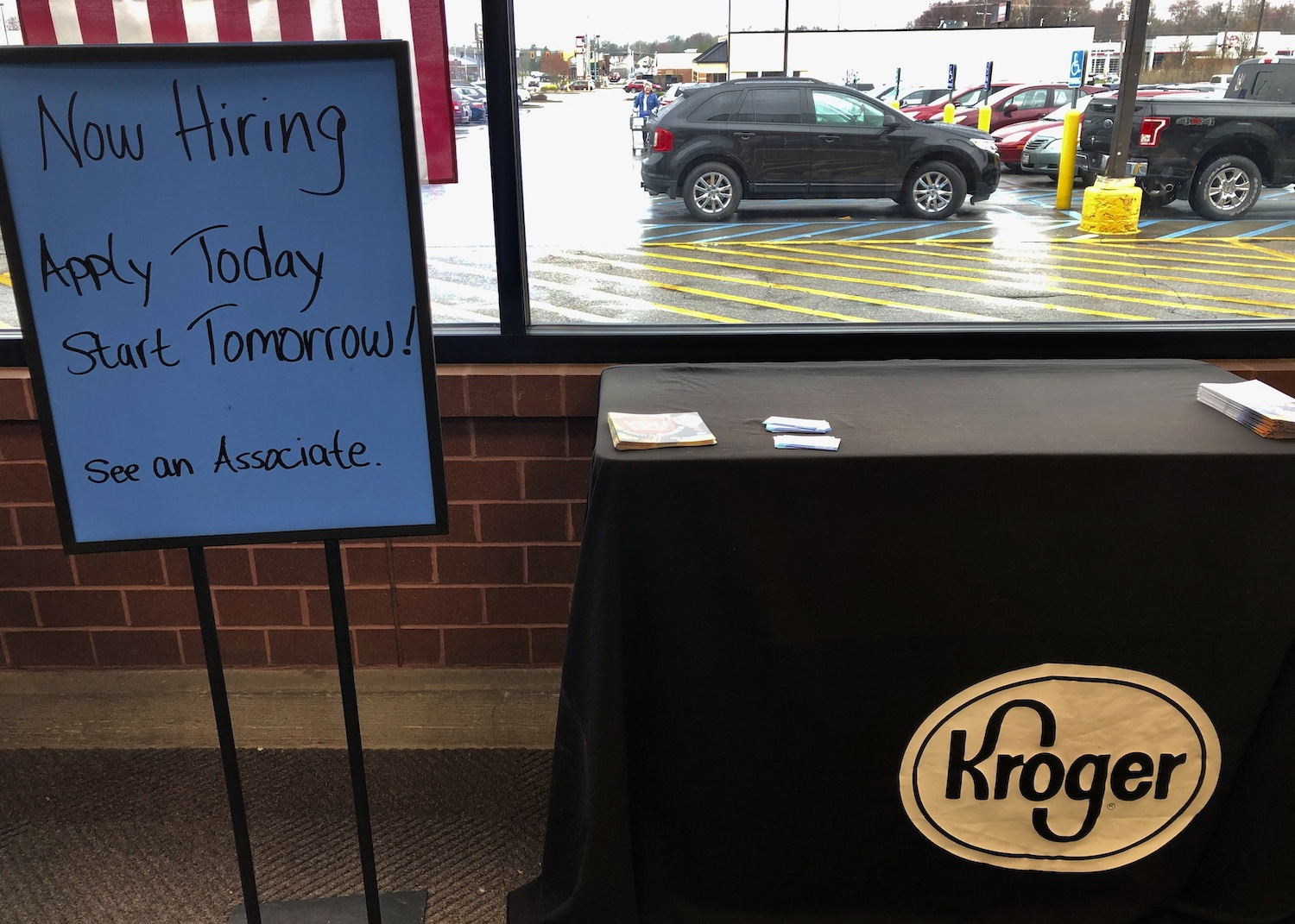 Kroger hiring during virus outbreak